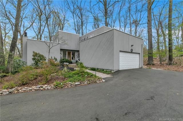 7 Fir Tree Drive, Branford, CT 06405 (MLS #170391788) :: Spectrum Real Estate Consultants