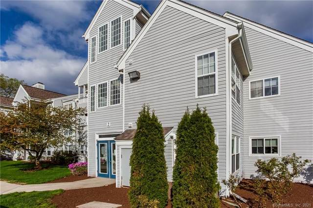 2 Forest Glen Circle #10, Middletown, CT 06457 (MLS #170393502) :: Carbutti & Co Realtors