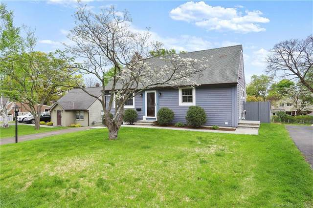 142 Houston Terrace, Stamford, CT 06902 (MLS #170393831) :: Coldwell Banker Premiere Realtors