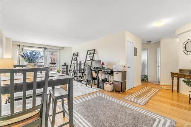 71 Strawberry Hill Avenue #401, Stamford, CT 06902 (MLS #170394190) :: Coldwell Banker Premiere Realtors
