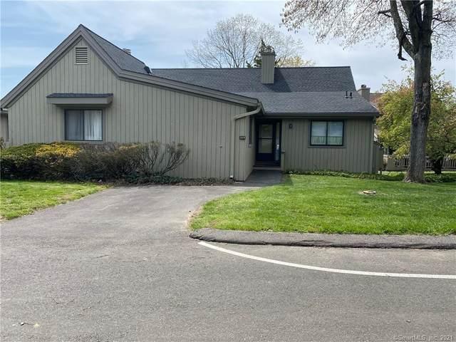 52 Cedar Bark Lane B, Stratford, CT 06614 (MLS #170394222) :: Team Feola & Lanzante | Keller Williams Trumbull