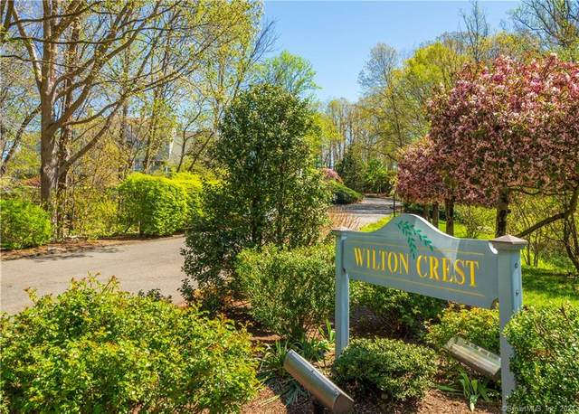 19 Wilton Crest #19, Wilton, CT 06897 (MLS #170395626) :: Next Level Group