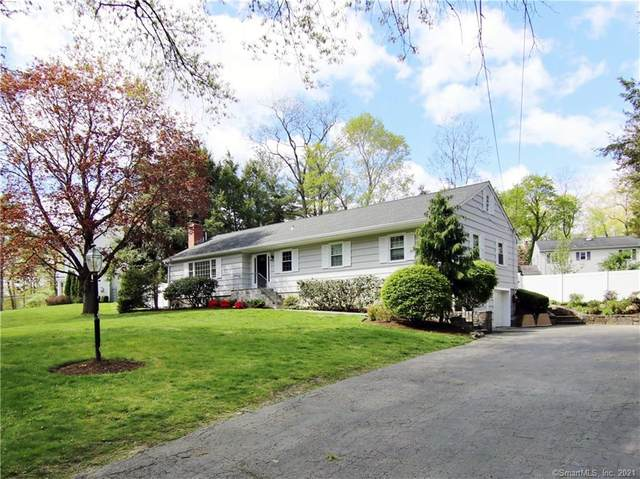 12 Coachlamp Lane, Greenwich, CT 06830 (MLS #170395782) :: Frank Schiavone with William Raveis Real Estate