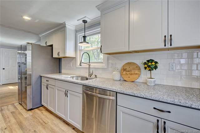 132 Grove Street, Windsor, CT 06095 (MLS #170396187) :: NRG Real Estate Services, Inc.