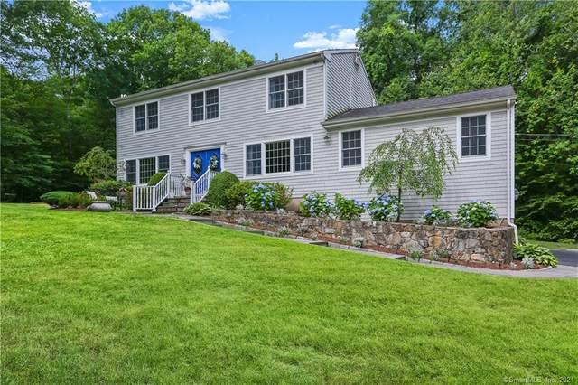 31 Black Twig Place, Stamford, CT 06903 (MLS #170396895) :: Next Level Group