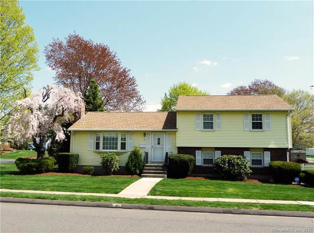 8 Fairlane Drive, Wethersfield, CT 06109 (MLS #170397010) :: Around Town Real Estate Team