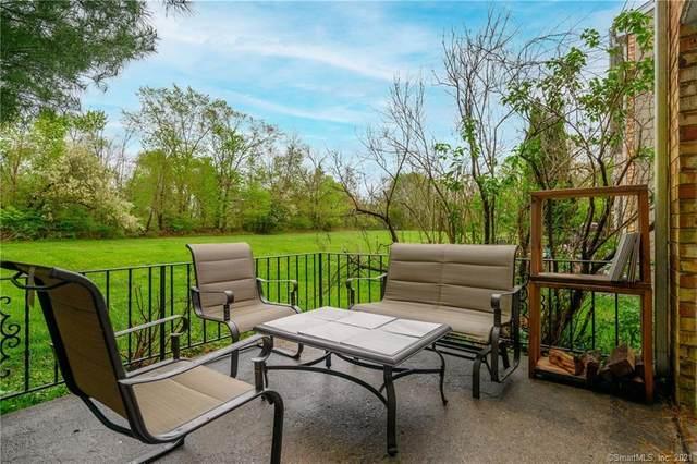 2 Whisconier Village #2, Brookfield, CT 06804 (MLS #170397052) :: Tim Dent Real Estate Group