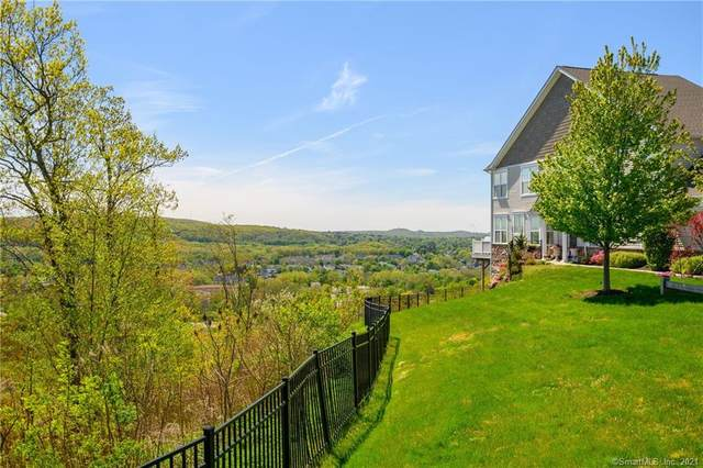 28 Briar Ridge Drive #28, Bethel, CT 06801 (MLS #170397662) :: Kendall Group Real Estate | Keller Williams