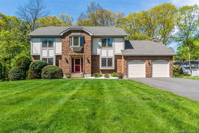 77 Wedgewood Road, Trumbull, CT 06611 (MLS #170397749) :: Carbutti & Co Realtors