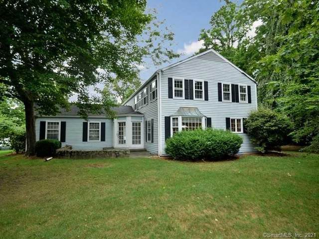 4 Hedge Row Road, Darien, CT 06820 (MLS #170398252) :: Frank Schiavone with William Raveis Real Estate
