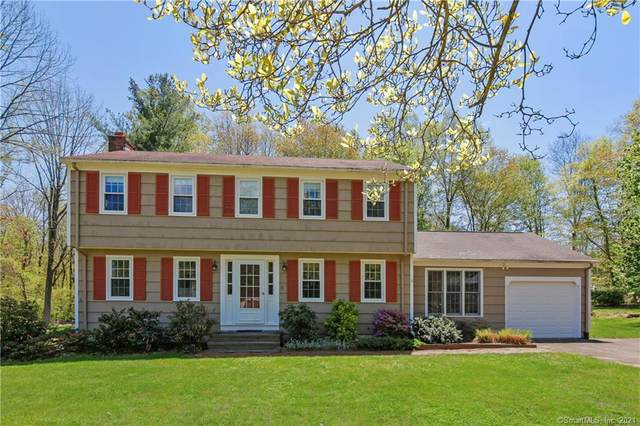 8 Heritage Court, Clinton, CT 06413 (MLS #170399080) :: The Higgins Group - The CT Home Finder
