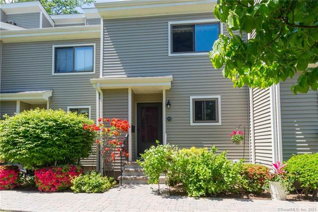 242 Melody Lane #242, Fairfield, CT 06824 (MLS #170399520) :: Frank Schiavone with William Raveis Real Estate