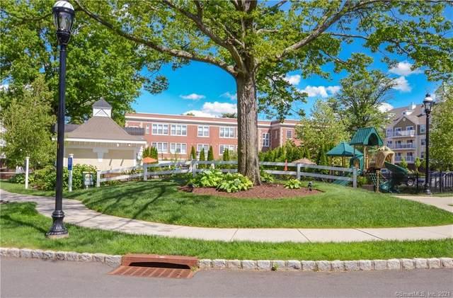 26 Schoolhouse Drive #303, West Hartford, CT 06110 (MLS #170399570) :: Team Feola & Lanzante | Keller Williams Trumbull