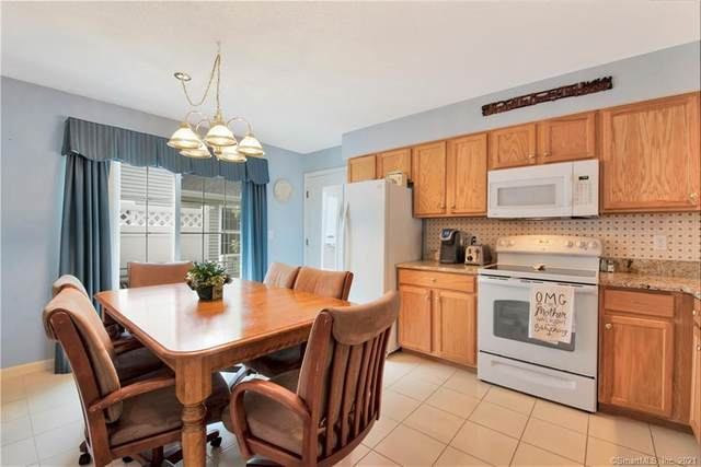 7 Country Road #7, Farmington, CT 06085 (MLS #170399573) :: Spectrum Real Estate Consultants