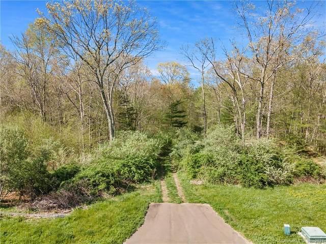 32 Lords Meadow Lane, Old Lyme, CT 06371 (MLS #170399774) :: GEN Next Real Estate