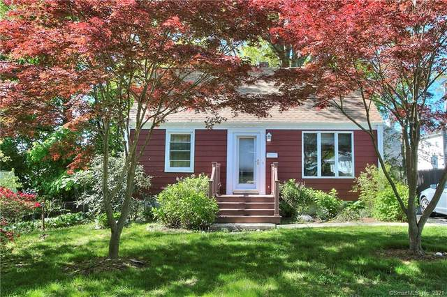 37 Crane Street, Fairfield, CT 06825 (MLS #170400448) :: Next Level Group