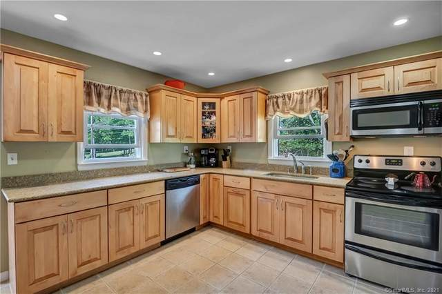 60 Dayton Road, Waterford, CT 06385 (MLS #170400693) :: GEN Next Real Estate