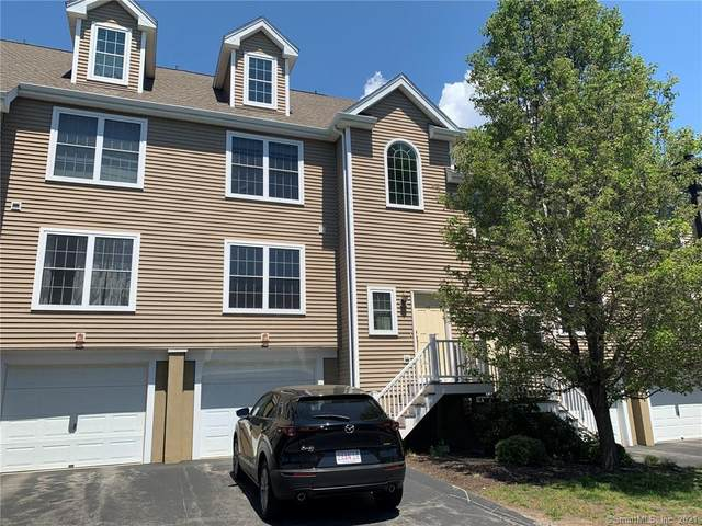 15 Freedom Way #13, East Lyme, CT 06357 (MLS #170400911) :: The Higgins Group - The CT Home Finder