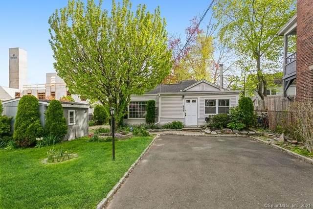 832 Brewster Street, Bridgeport, CT 06605 (MLS #170401927) :: The Higgins Group - The CT Home Finder
