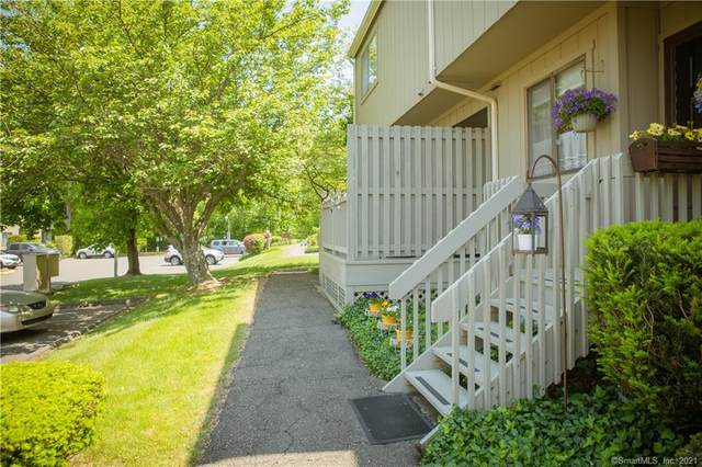 119 Watch Hill Road #119, Branford, CT 06405 (MLS #170402263) :: Michael & Associates Premium Properties | MAPP TEAM