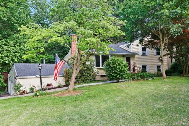 62 Rolling Wood Drive, Trumbull, CT 06611 (MLS #170402399) :: The Higgins Group - The CT Home Finder