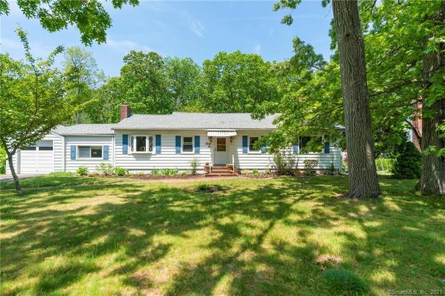 31 N Forest Circle, West Haven, CT 06516 (MLS #170402561) :: Spectrum Real Estate Consultants