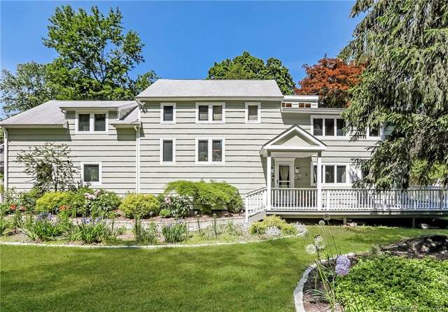 321 Mountain Road, Ridgefield, CT 06877 (MLS #170403763) :: The Higgins Group - The CT Home Finder