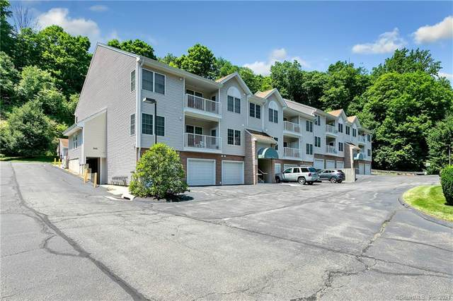 11209 Arganese Place #11209, Trumbull, CT 06611 (MLS #170403956) :: Spectrum Real Estate Consultants