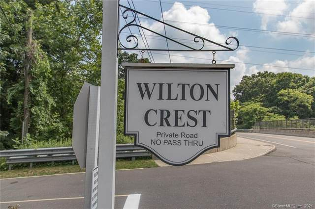 76 Wilton Crest #76, Wilton, CT 06897 (MLS #170404213) :: Spectrum Real Estate Consultants