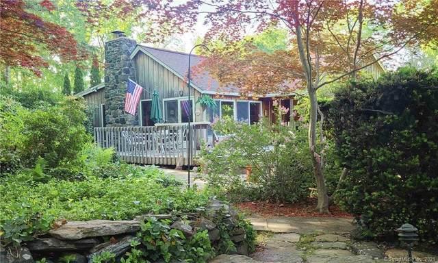3 Fox Run, New Fairfield, CT 06812 (MLS #170404224) :: Spectrum Real Estate Consultants