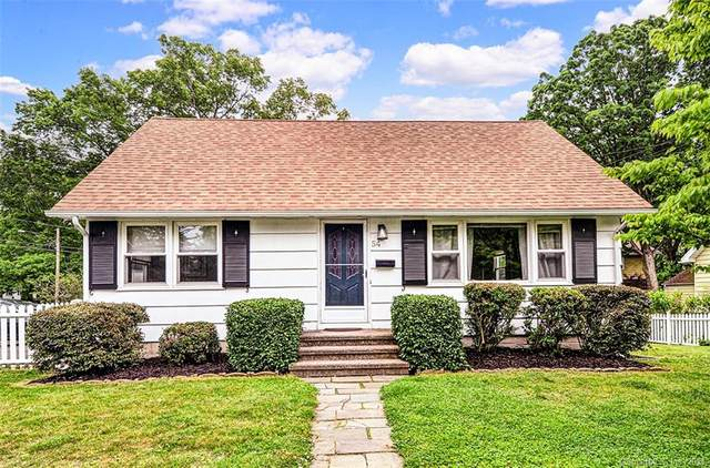 54 Raymonds Circle, Fairfield, CT 06824 (MLS #170405319) :: The Higgins Group - The CT Home Finder