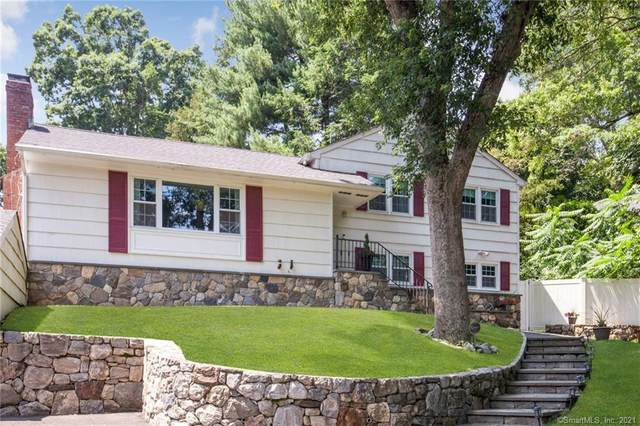 131 Compo Road N, Westport, CT 06880 (MLS #170405562) :: Spectrum Real Estate Consultants