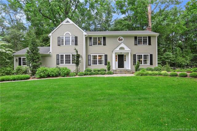 4 Cobble Hill Road, Westport, CT 06880 (MLS #170406031) :: The Higgins Group - The CT Home Finder