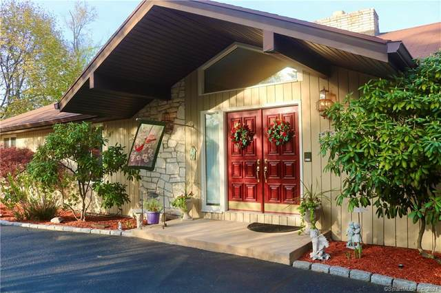 111 Merrimac Drive, Trumbull, CT 06611 (MLS #170406056) :: Spectrum Real Estate Consultants