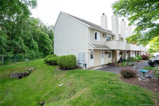 136 Pembroke Road 7-54, Danbury, CT 06811 (MLS #170406482) :: Spectrum Real Estate Consultants