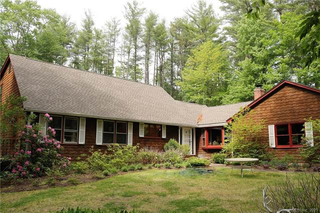 4 Country Club Drive, Simsbury, CT 06092 (MLS #170406684) :: Spectrum Real Estate Consultants