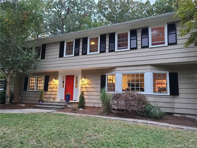 7 Hunting Ridge Road, Stamford, CT 06903 (MLS #170407574) :: Spectrum Real Estate Consultants
