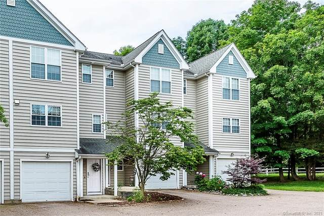 15 Forestview Drive #15, Norwich, CT 06360 (MLS #170408097) :: Spectrum Real Estate Consultants
