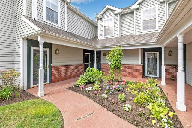 201 Mayfield Drive #201, Trumbull, CT 06611 (MLS #170408323) :: The Higgins Group - The CT Home Finder