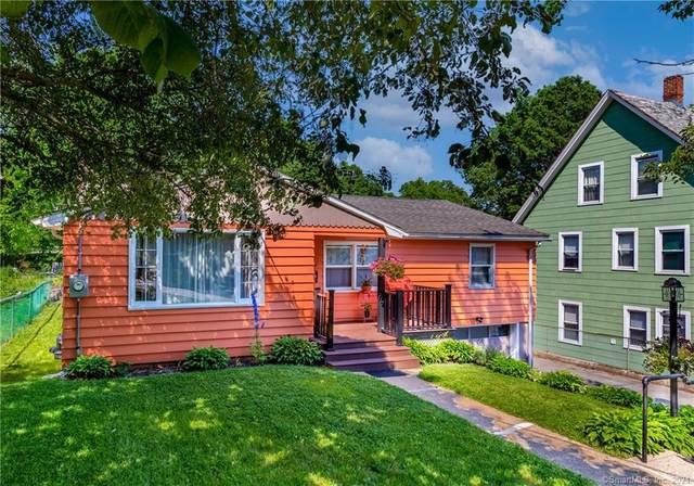 80 Oakridge Street, Norwich, CT 06360 (MLS #170408405) :: Spectrum Real Estate Consultants