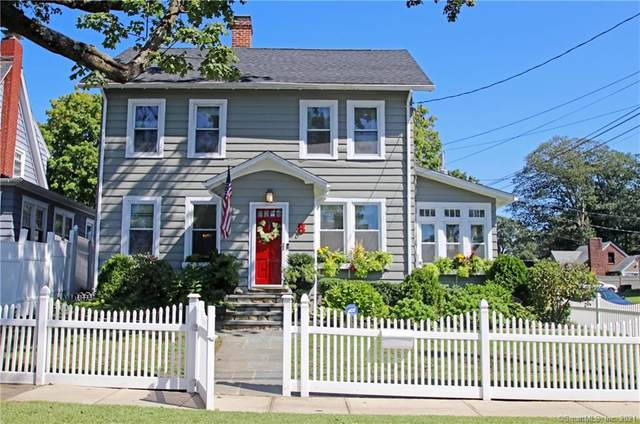 8 Essex Street, Fairfield, CT 06825 (MLS #170408834) :: The Higgins Group - The CT Home Finder