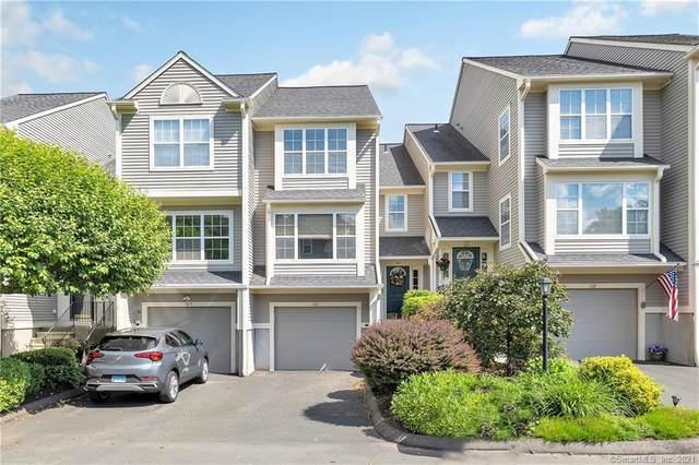 107 Paugusett Circle #107, Trumbull, CT 06611 (MLS #170408980) :: Spectrum Real Estate Consultants