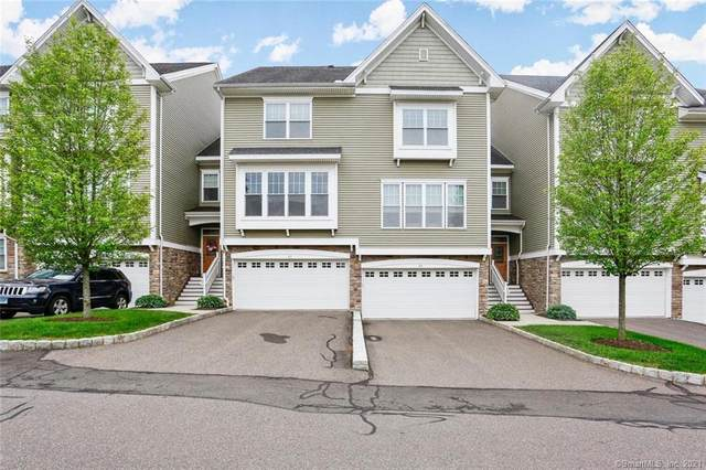 83 Lawrence Avenue #83, Danbury, CT 06810 (MLS #170409315) :: The Higgins Group - The CT Home Finder