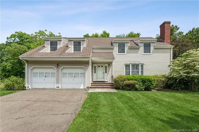 27 Coachlamp Lane, Stamford, CT 06902 (MLS #170409586) :: The Higgins Group - The CT Home Finder