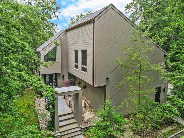 49 Mill Brook Road W, Stamford, CT 06902 (MLS #170409621) :: The Higgins Group - The CT Home Finder