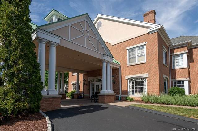 70 Southwick Court #203, Cheshire, CT 06410 (MLS #170409623) :: Spectrum Real Estate Consultants