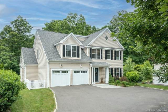 52 Gilbert Street, Ridgefield, CT 06877 (MLS #170409754) :: Spectrum Real Estate Consultants