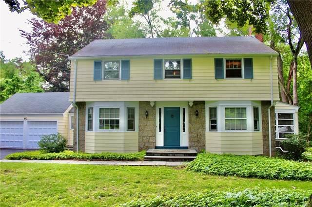 68 Old Farm Road, Fairfield, CT 06825 (MLS #170409929) :: Spectrum Real Estate Consultants