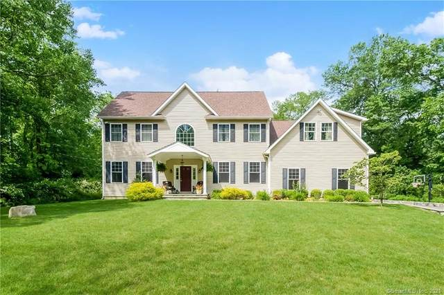 82 Hickory Drive, New Canaan, CT 06840 (MLS #170410726) :: Spectrum Real Estate Consultants