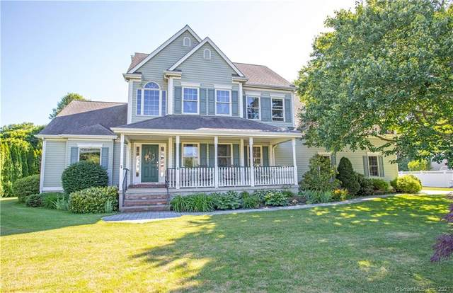 6 Queen Anne Court, Old Lyme, CT 06371 (MLS #170410800) :: Linda Edelwich Company Agents on Main